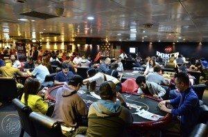APT Poker Room Crowd1