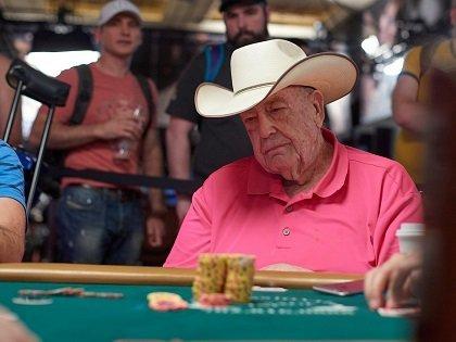 Doyle Brunson 2018 World Series of Poker EV23 DAY02 DSC 5165 420 315